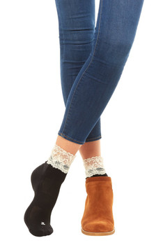 BOOTIGHTS  Cream Lace Sport Anklet Socks