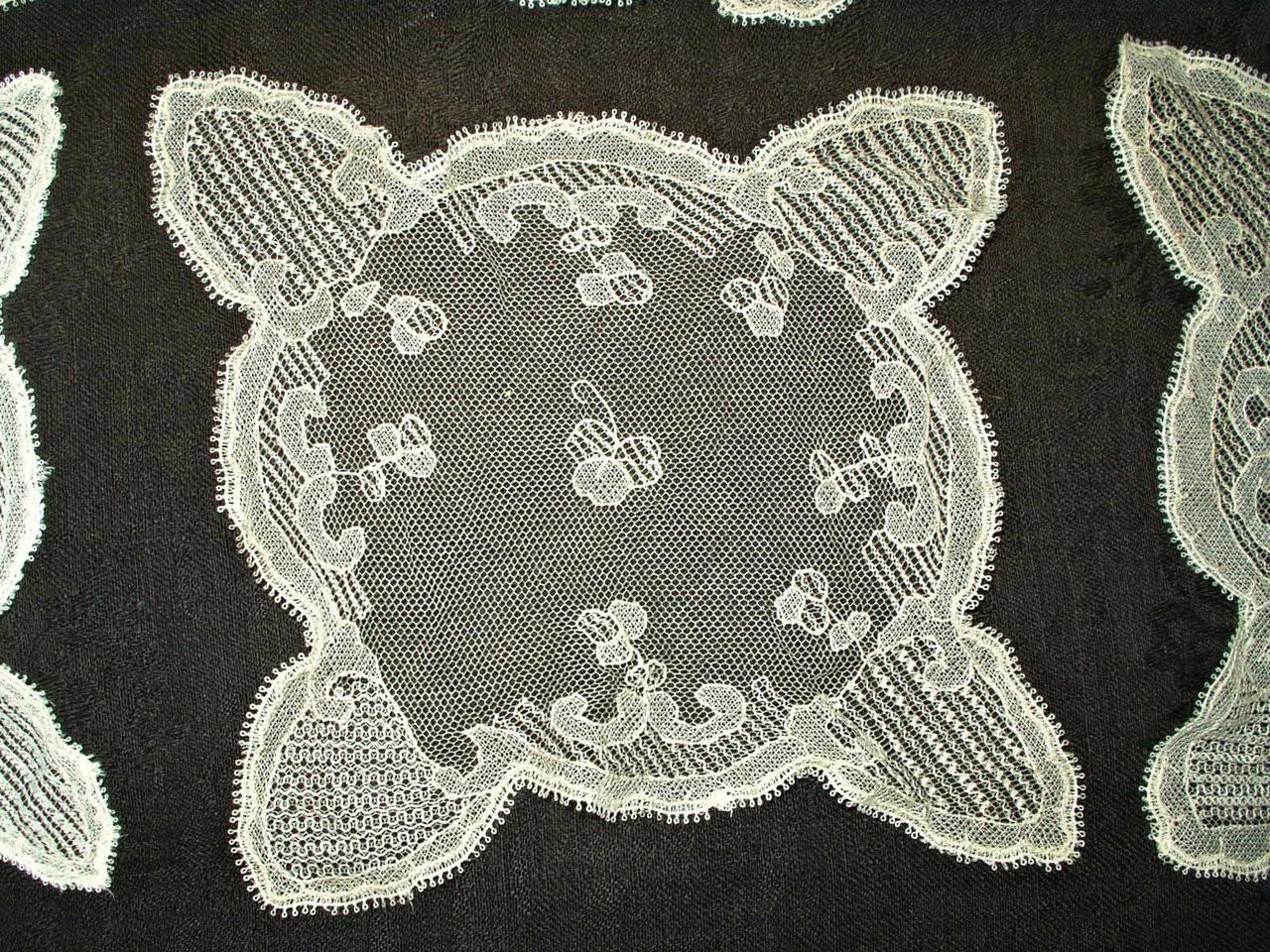 5 Antique Victorian Edwrdian Hand Irish Carrickmacross Needle Run Lace Doily Doilies
