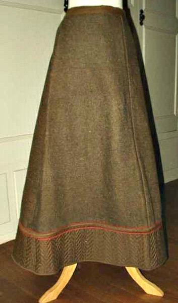 1890 1900 New England Winter Brown Wool Quilted Edging Victorian Petticoat