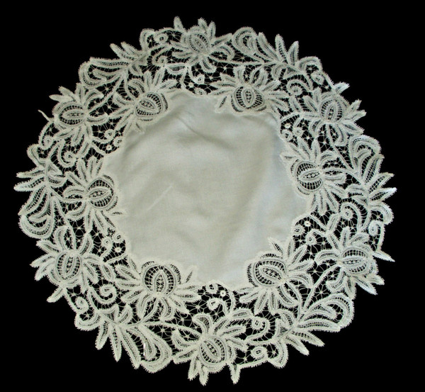 Victorian 1900s Branscombe Tape Lace Table Centerpiece Doily