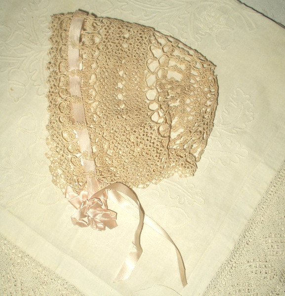 Vintage 1920s 1930s Tatted Baby Doll Bonnet Rayon Ribbon Bow Ties