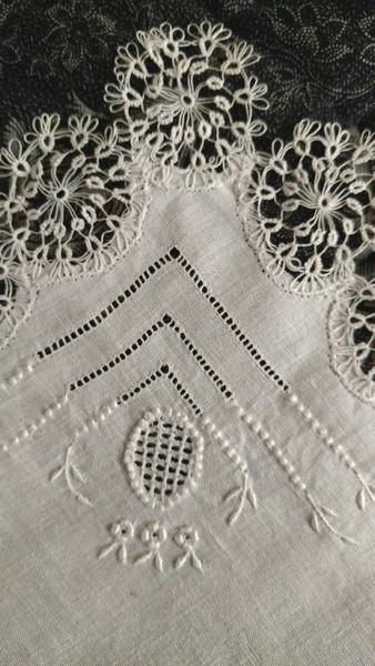 Linen Handkerchief Drawn Tatted Lace Vintage Hankie