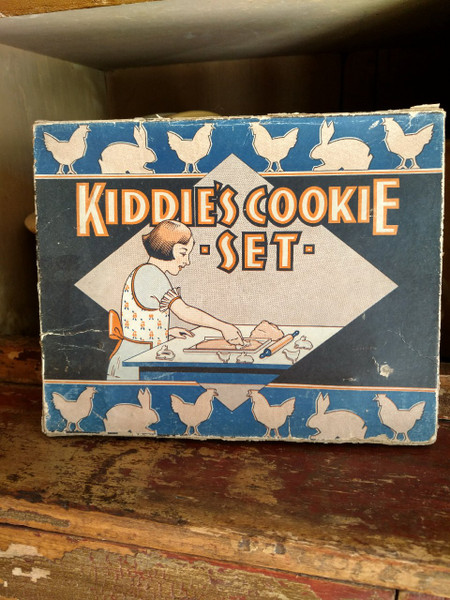 Depression Toy Box Cookie Play Set Cutters Baking Sheet Rolling Pin 1920s