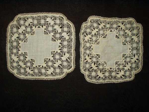 2 Small Fine Victorian Drawnwork Lace Table Doily Mat