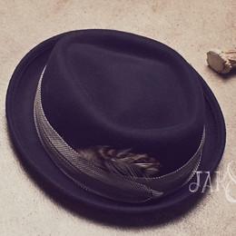 Jak & Peppar Wild Hearts Feather Page Boy Hat
