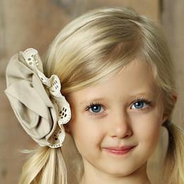 Little Prim Rose Clip - Linen