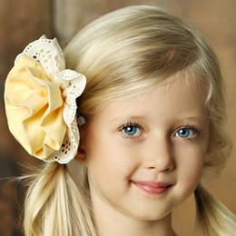 Little Prim Rose Clip - Butter