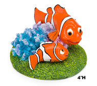Penn Plax Finding Nemo Resin Ornament for Aquariums Nemo and Marlin 4-Inch