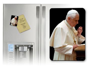 Pope Benedict Praying Rosary Magnet
