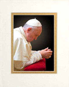 Pope Francis in Prayer Matted 5x7 Print