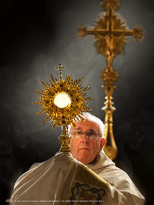 Pope Francis with the Eucharist Poster
