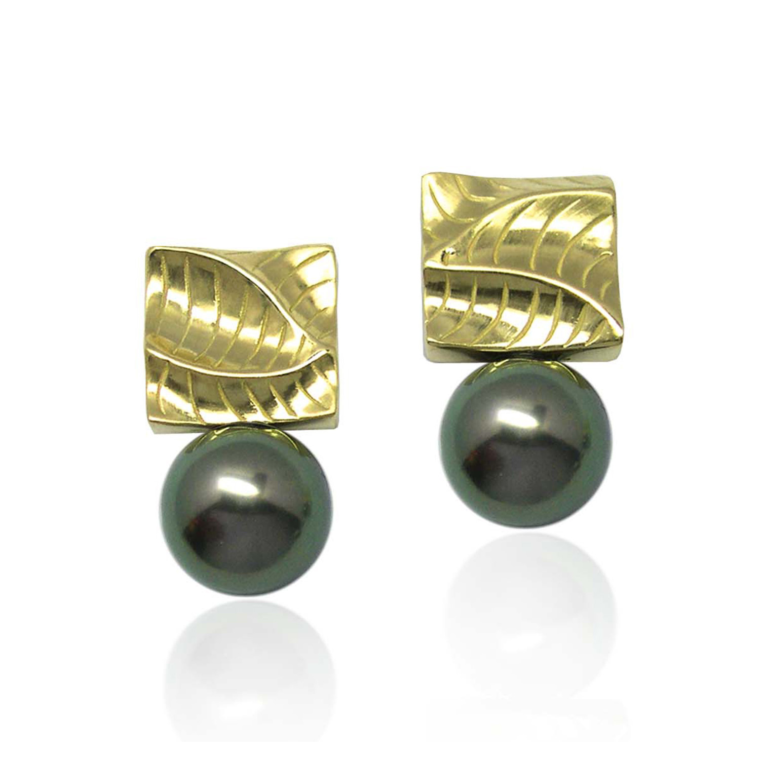 Small Square Pearl Earrings from K.Mita