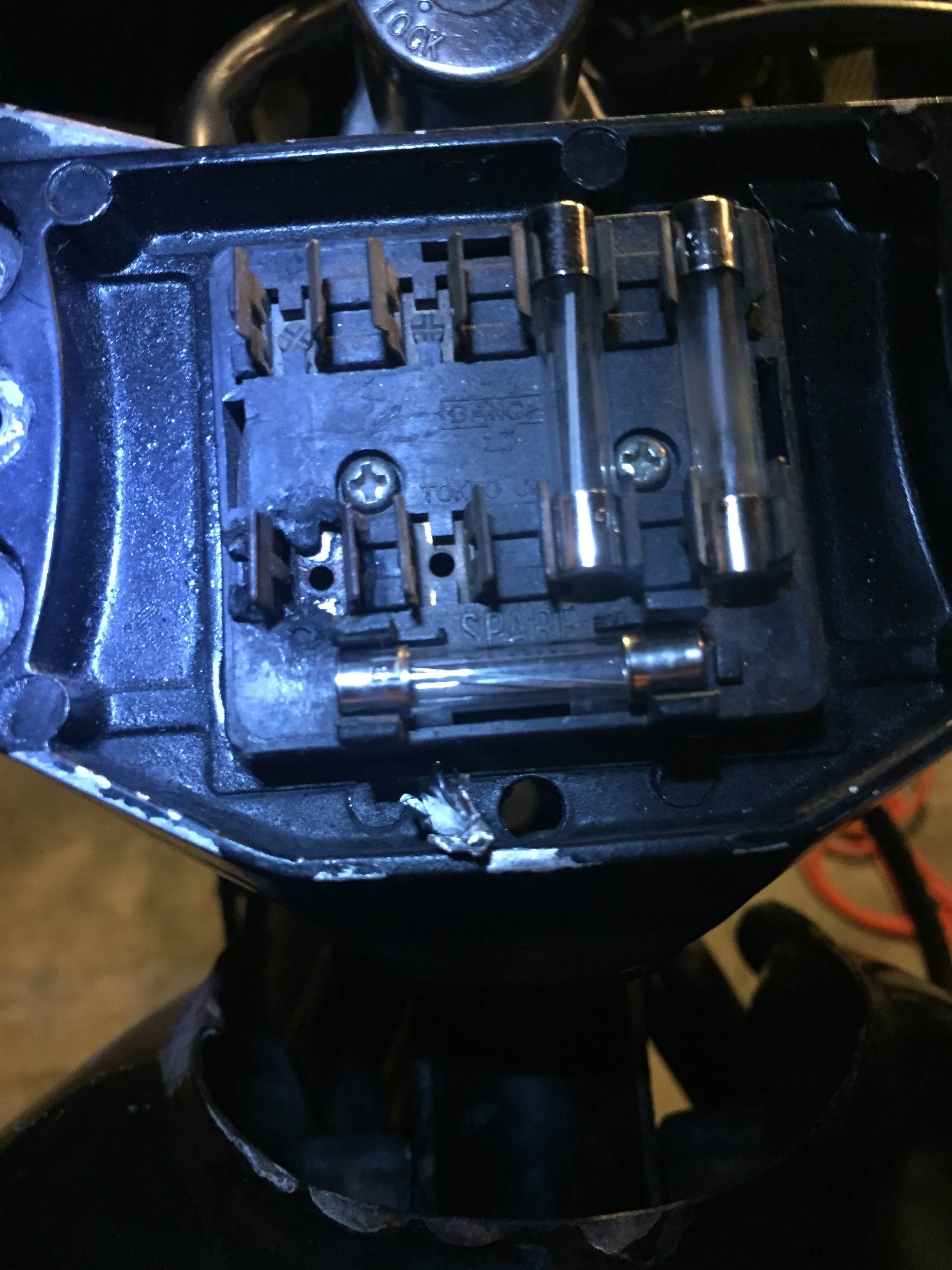 honda cb inline fuse installation 2 how to install an inline fuse holder on a vintage motorcycle Chalkboard to Hide Fuse Box at eliteediting.co