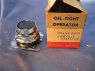 Cutler Hammer (10250T1325) Oiltight Operator, New
