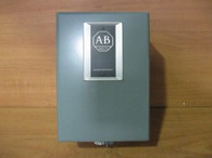 ALLEN BRADLEY AC LIGHTING CONTACTOR (702L-TAD93) NEW SURPLUS
