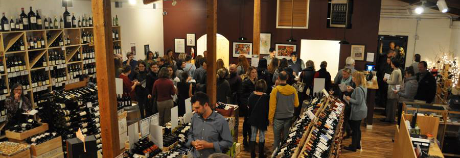 champagne-tasting-crowd-2016-crop.jpg