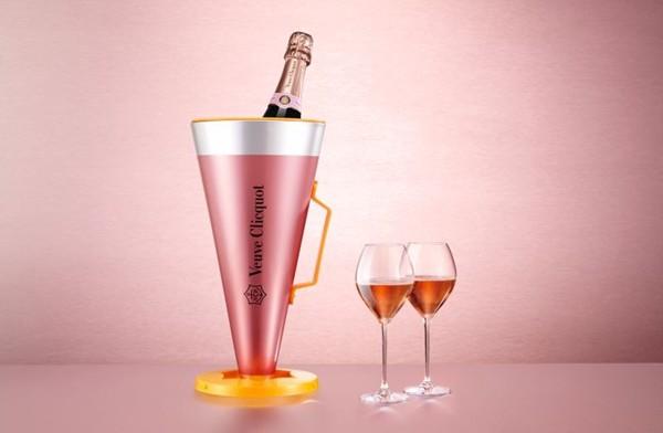 veuve-clicquot-rose-megaphone-2.jpg