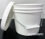 Gallon bucket