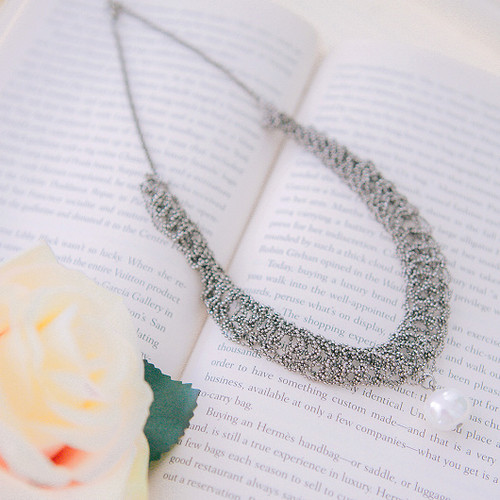 Black Net Mesh Style Artificial Pearl Necklace