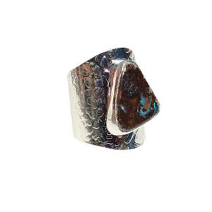 SOLID STONE OPAL RING