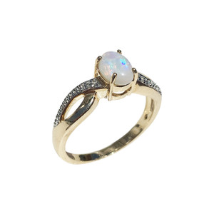 LOYAL TWISTED LOVE 9kt GOLD & DIAMOND OPAL RING