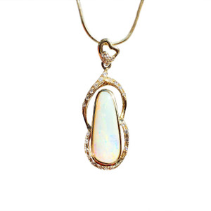 HEART OF MINE 18kt GOLD AND WHITE OPAL NECKLACE