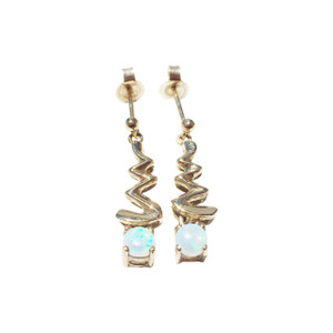 DELIGHTFUL DROP 9kt GOLD OPAL EARRINGS