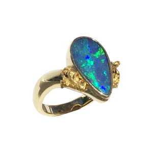 BOULDER FLASH 18kt GOLD OPAL RING