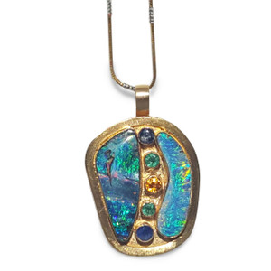 18kt GOLD OPAL NECKLACE WITH GEMSTONES
