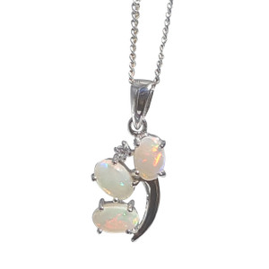 FLASHING STERLING SILVER WHITE OPAL NECKLACE