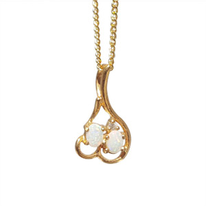 CHERRY DROP FLASH  18kt GOLD PLATED WHITE OPAL NECKLACE