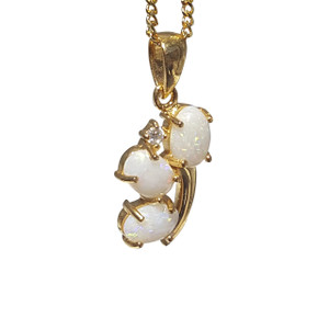 BUSTING BLOOMERS  18kt GOLD PLATED OPAL NECKLACE