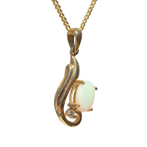 FLOWING CHAMPAIGN 18kt GOLD PLATED OPAL NECKLACE