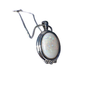 ENTICING LOVE STERLING SILVER OPAL NECKLACE