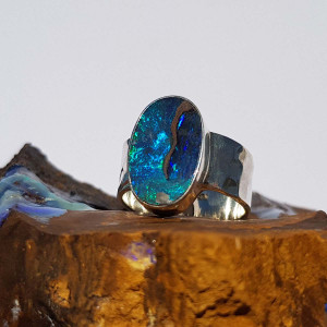 BRIGHT SWIRLED BLUE OPAL STERLING SILVER RING