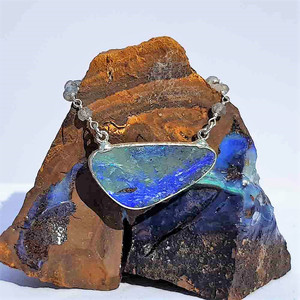 BLUE HILL FLASH SILVER OPAL NECKLACE