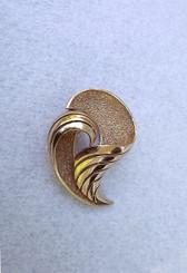 1960's Crown TRIFARI All gold Brooch 3D Classic Elegant Pin
