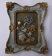 VINTAGE RHINESTONE JEWELRY FRAMED CHRISTMAS HOLIDAY FLOWER BASKET