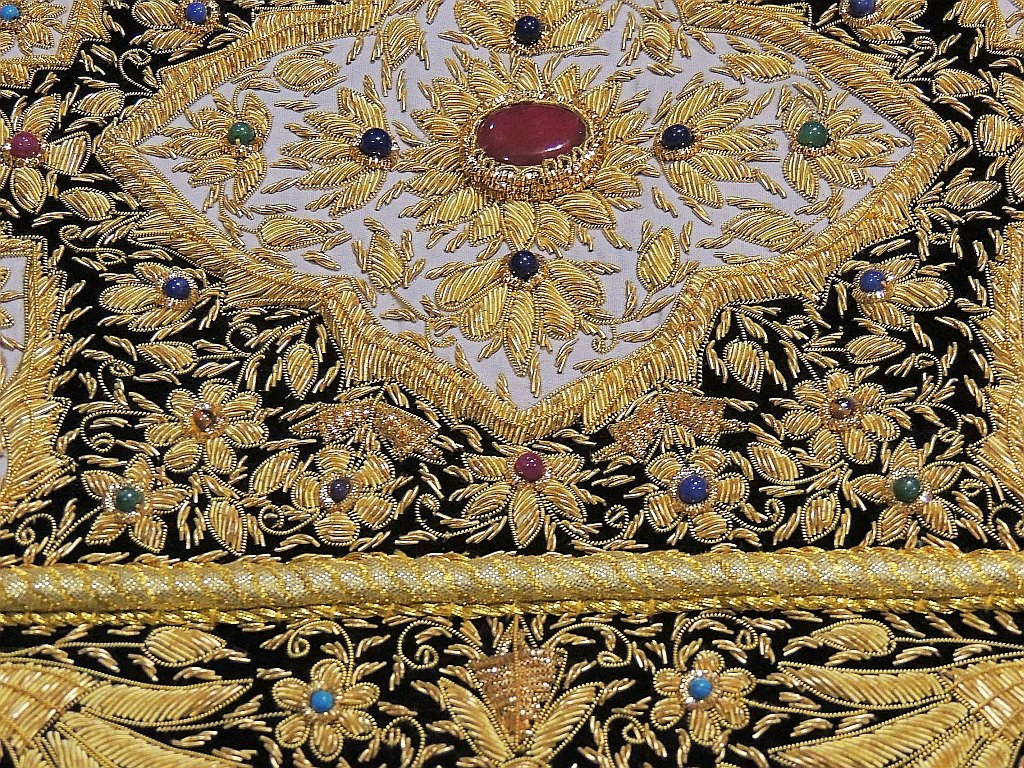Gold Wall Hanging Jewel Carpet Kashmir Zardozi