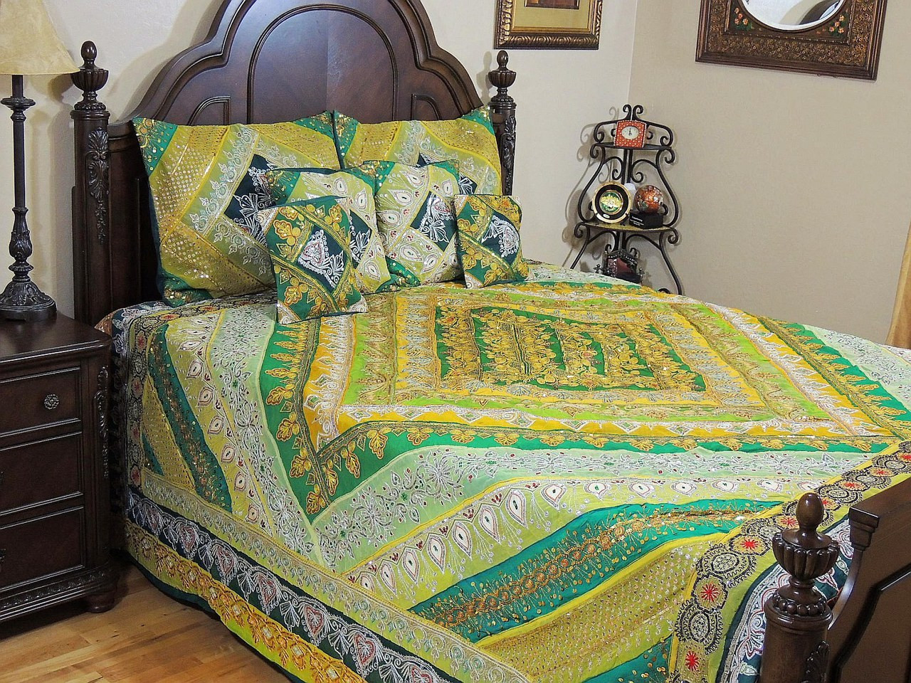 Indian Bedding Set   Decorative Green Sari Beaded Duvet Pillowcases   King.