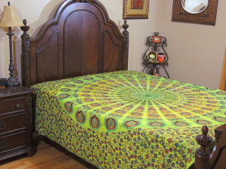 Green Peacock Tail Fan Tapestry - Cotton Fabric Bed Sheet Bedding Linens ~ Full