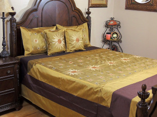 Gold Surya Luxury Indian Bedding - 5P Embroidery Ensemble ~ Queen