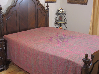 Pink Mahek Kashmir Wool Bedding - Reversible Woven Floral Decorative Bedspread ~ Queen