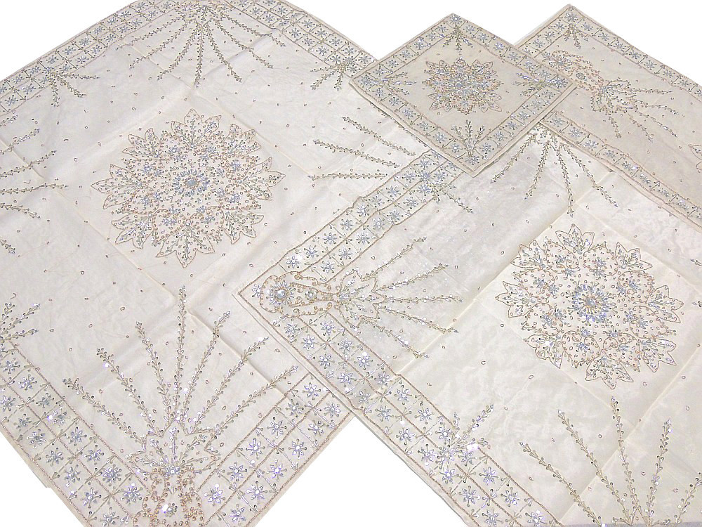 Exceptionnel Fine Handmade Table Linens 5P Decorative Ivory Beaded Overlays Runner  Placemats.