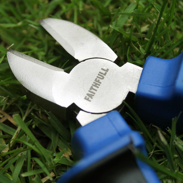 Faithfull diagonal cutting pliers.