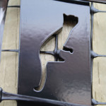ProtectaPet® cat fence brackets feature our logo as an assurance of quality.