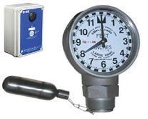 Morrison 918 Series 2 in. Female NPT Clock Gauge & Alarm w/ Drop Tube Float - Feet & Inches