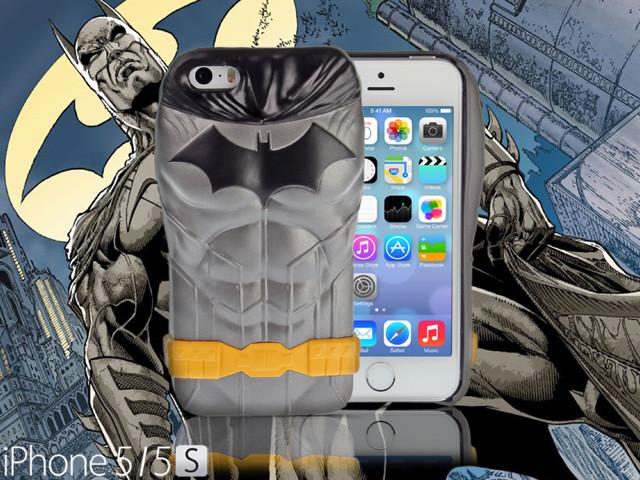 Collector Series: iPhone SE / 5 / 5s Comic 3D Protective Case: The New 52 DC Comics SuperHeroes - BATMAN CMCA034000 by IQCUBES.COM