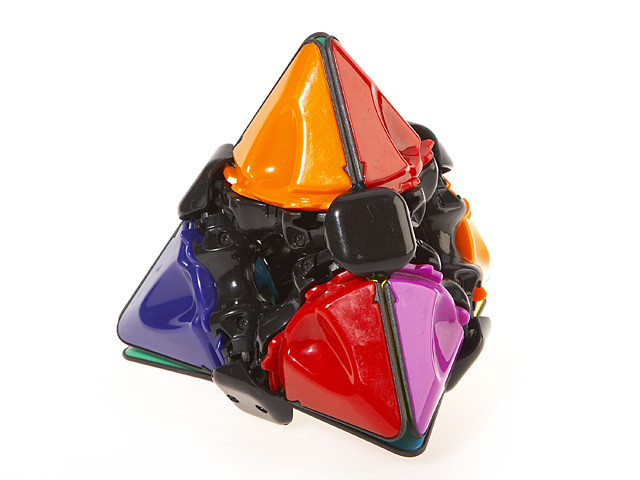 Brain Twist Pyramid Puzzle (360 Degree) (INNV003000) by IQCUBES.COM