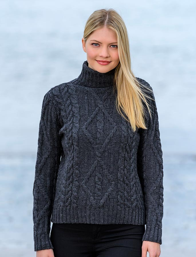 white cable knit turtleneck sweater, red, black | Aran ...